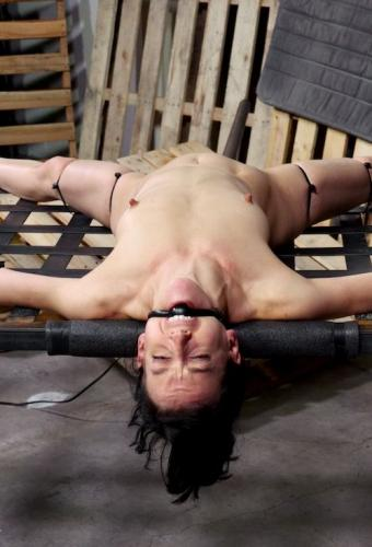 Elise Graves takes on 10 inch BBC