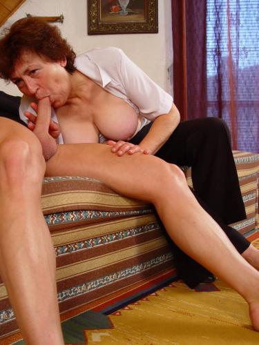 Slutty granny Valda snagged herself a hot