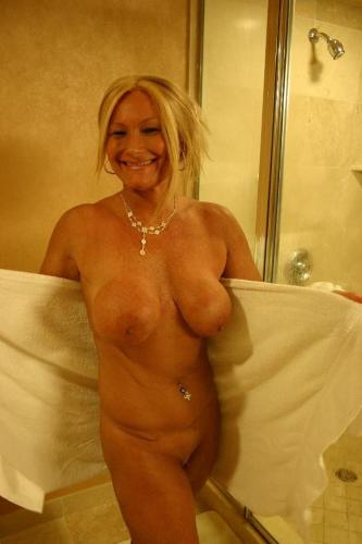 Watch this hot milf in a body massage
