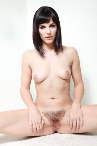 Female hair untrimmed pubic