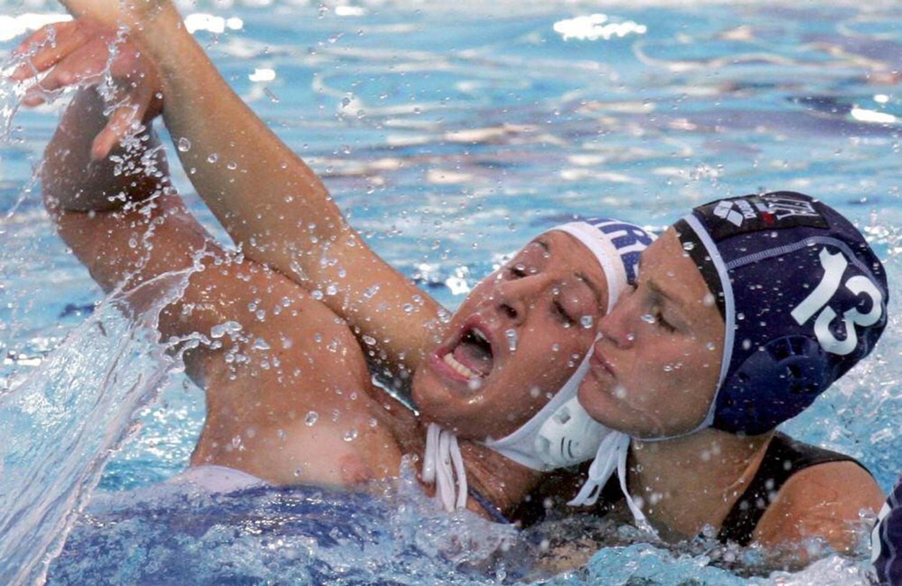 Случайно голые в спорте 17 фотография