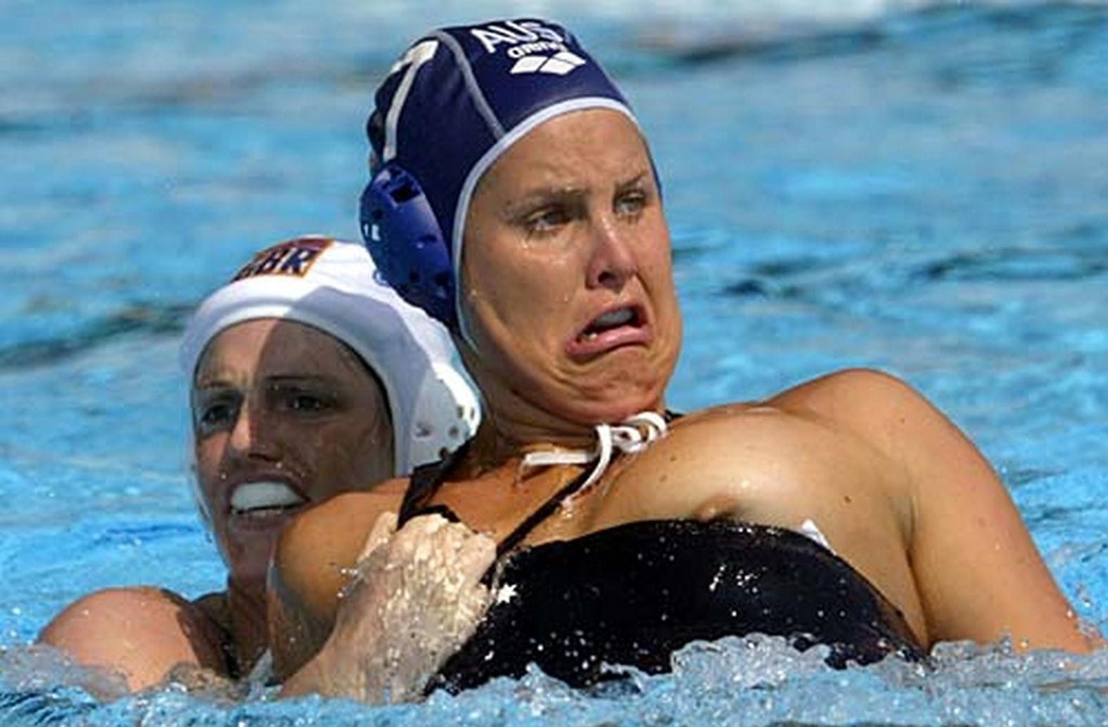 Сучайные эротические моменты в спорте 12 фотография
