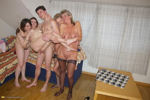 Mature Sex Party Clips