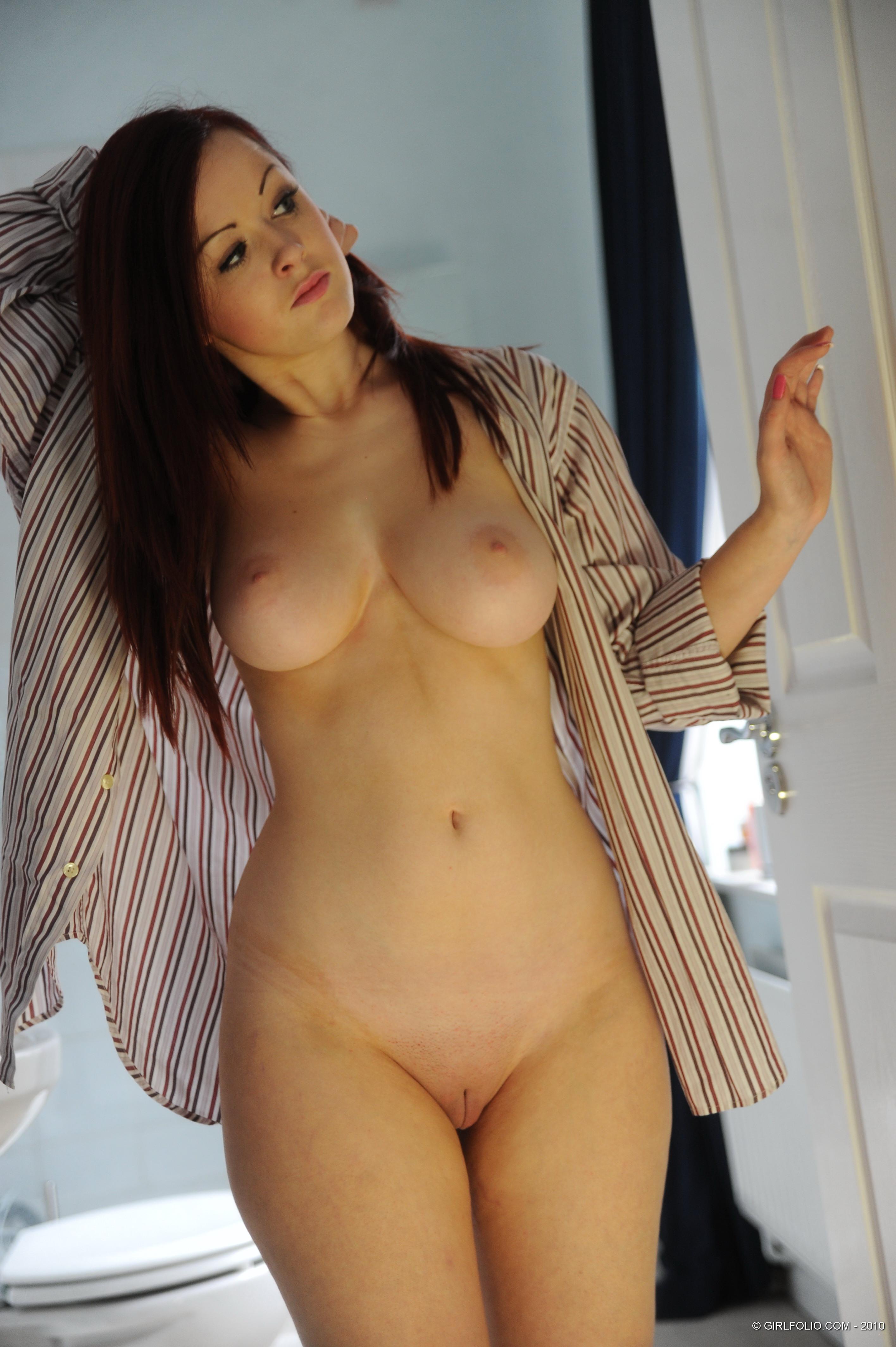 Стриптис с голыми девушками 22 фотография