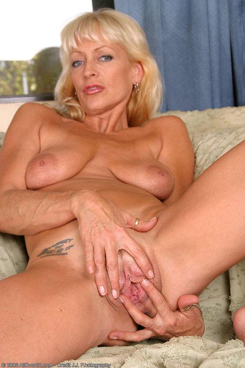 порно фото зрелых блондинок № 381517 загрузить