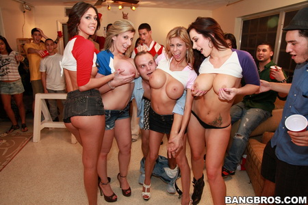 Fuck Team Five - Sara Jay, Jayden Jaymes, Alexis Fawx, Anastasia Morna (Fraternizing The Frat Boyz)