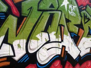 Como dibujar letras de graffiti de los que ves en la calle