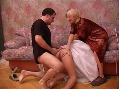 Секс свекра с невесткой видео