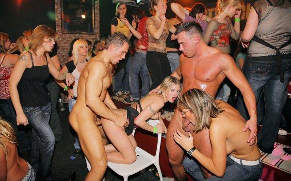tusovki-v-eroticheskih-klubah