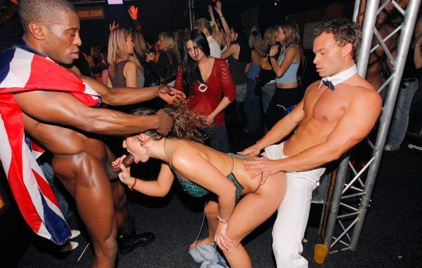 Lesbians fisting on tube 8
