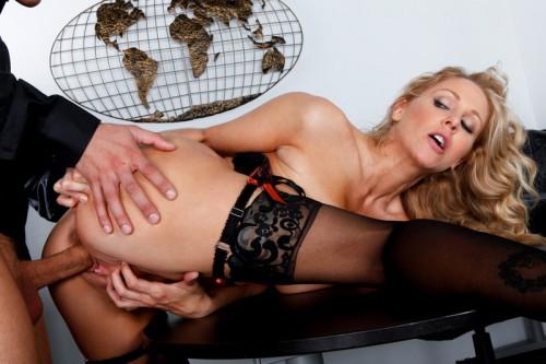 Секс фото джулии анн