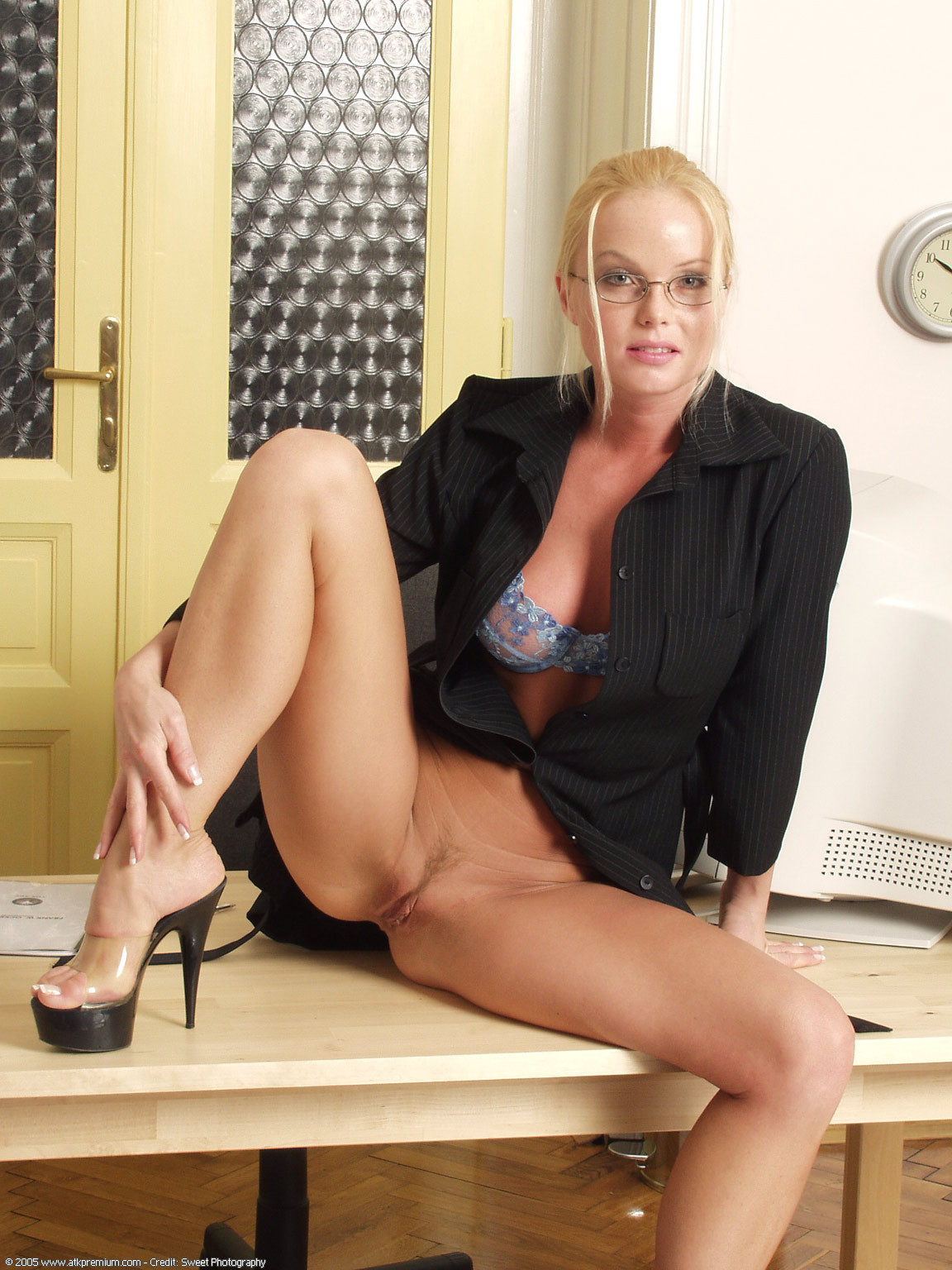 secretaria porno porno  18
