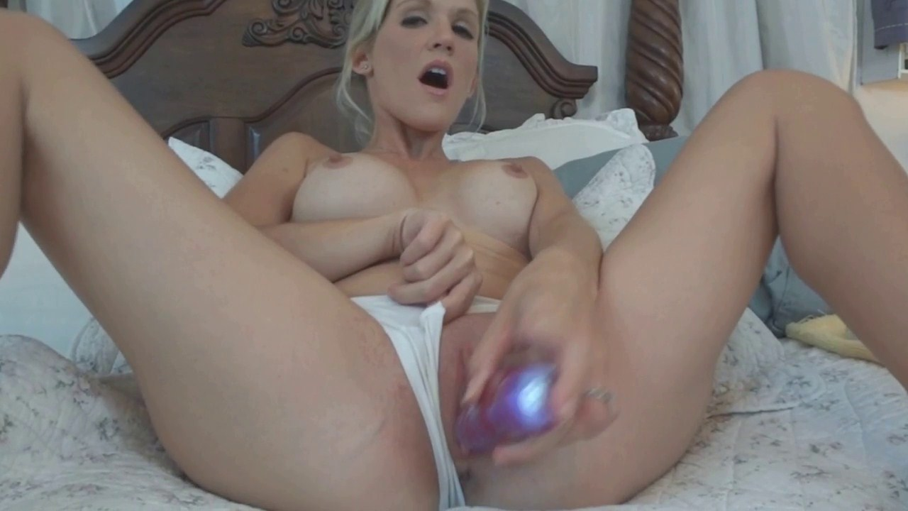 image Tiny milf cumming hard to orgasm with her