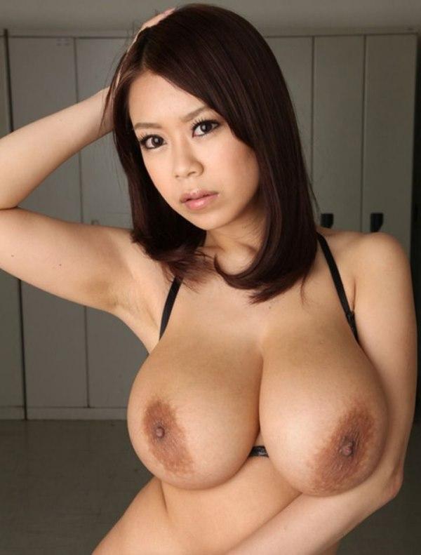 Japonesa de grandes tetas - Canalpornocom
