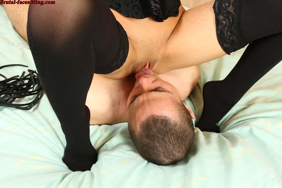 порно кунилингус привязала и заставила лизать