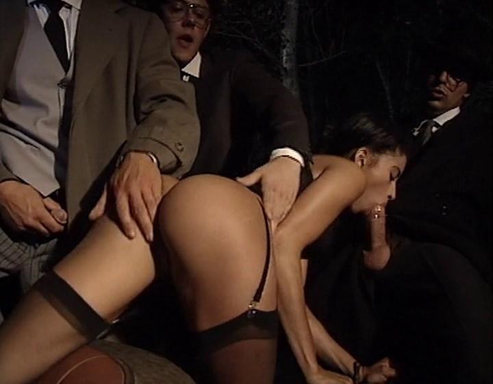 Порно фильм с участием джулии александрату и иана скотта видео