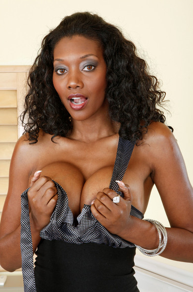Sideboobs Nyomi Banxxx  nudes (82 fotos), Instagram, in bikini