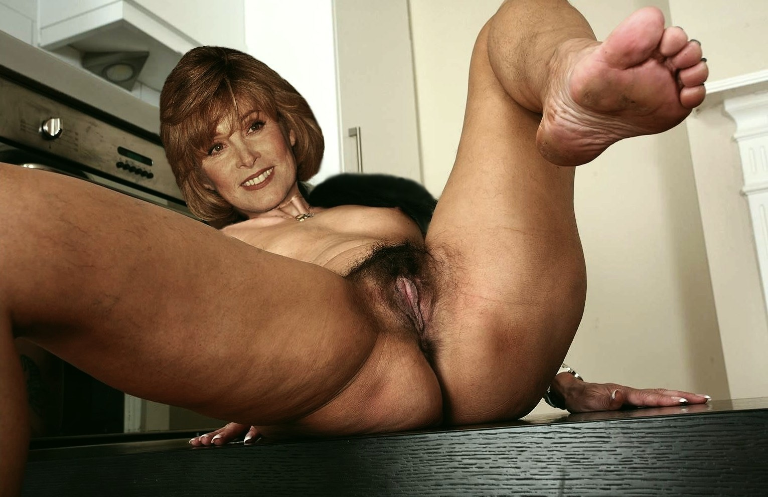 Free preview of stefanie powers naked in crescendo